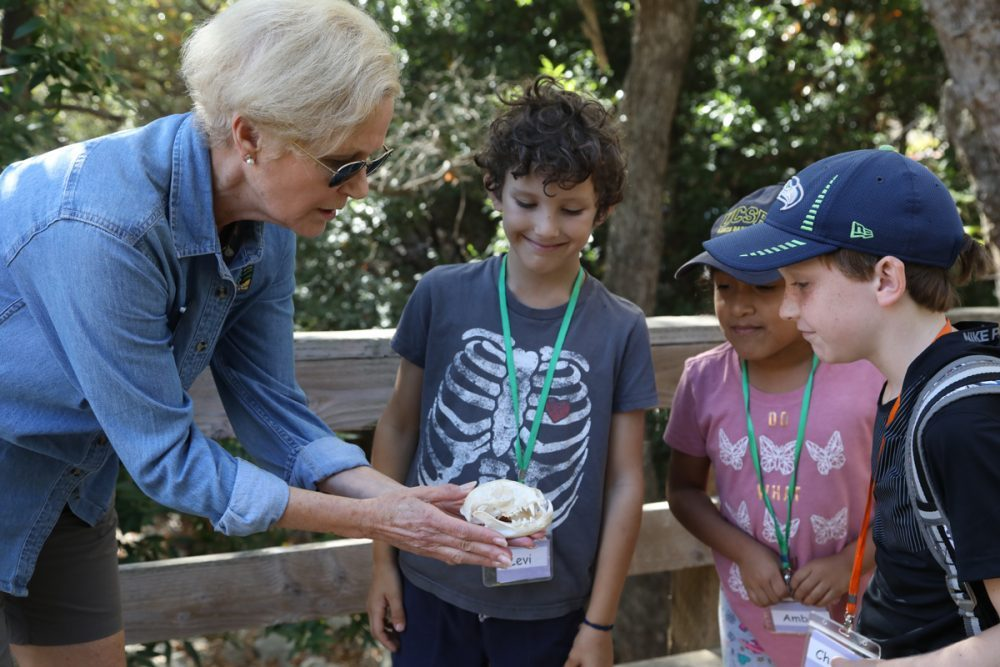 LTSBC docent Ann with kids 2018
